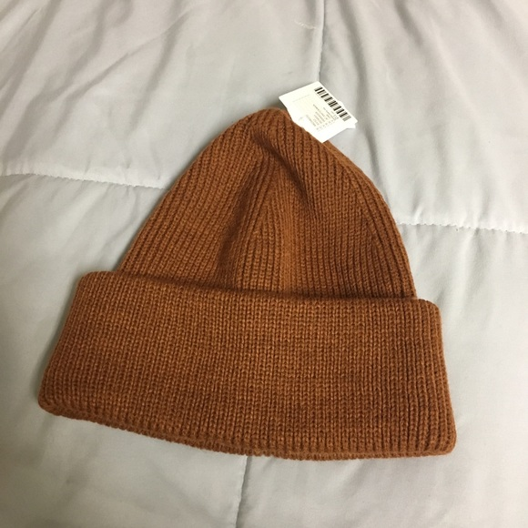 287d4c81a1042 Urban outfitters fisherman beanie